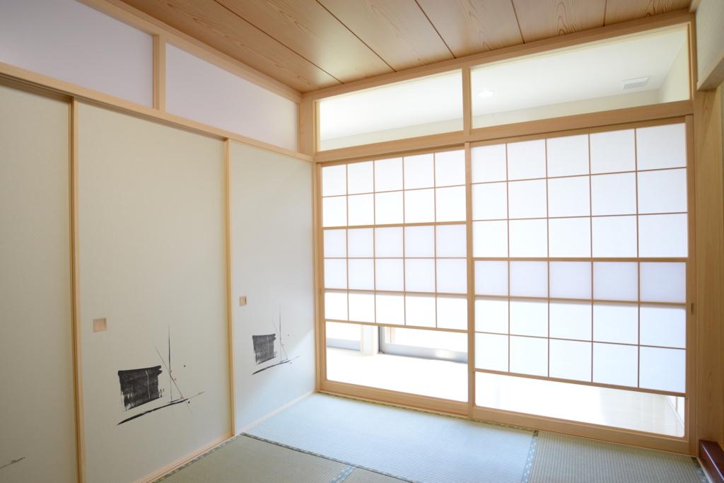 真壁和室のふすまと雪見障子