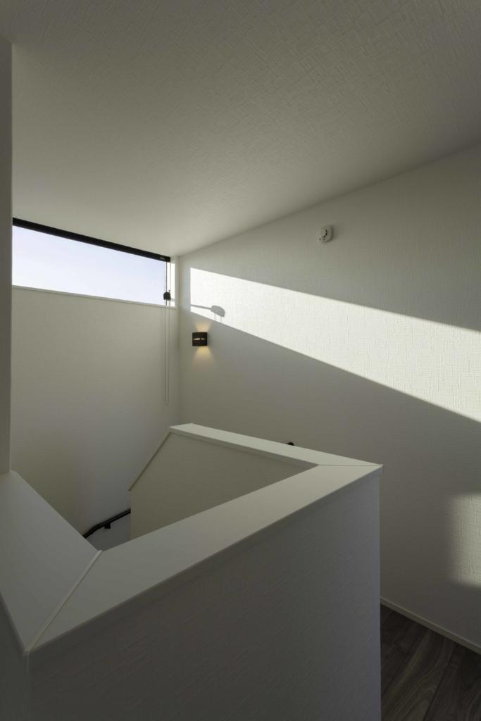階段部の窓