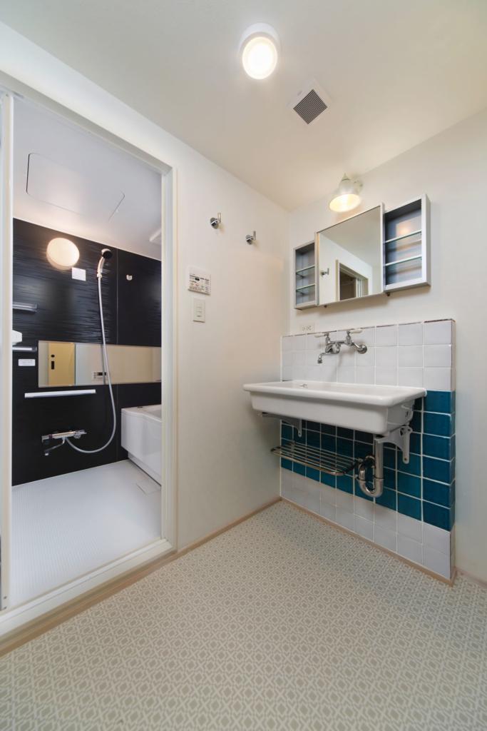 空間を広くとったシンプル洗面
