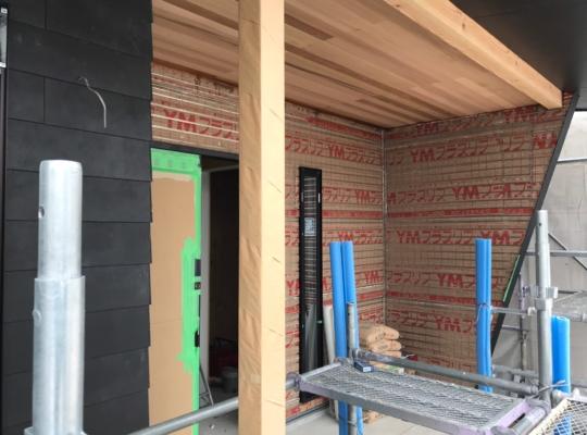 外壁塗り壁施工状況