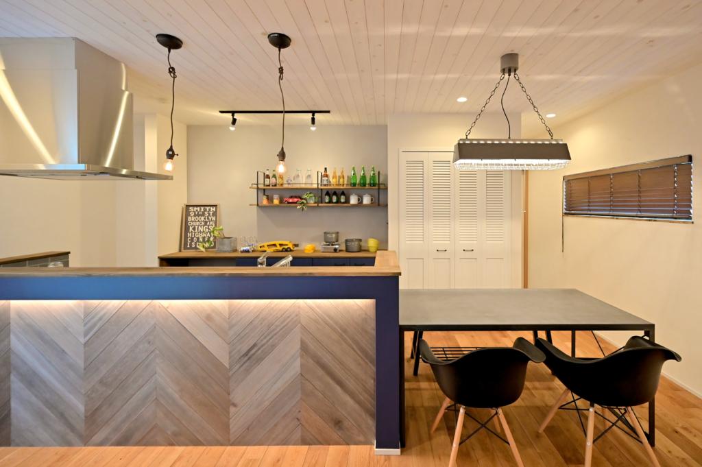 ダイニング キッチン キッチン腰壁 ヘリンボーン